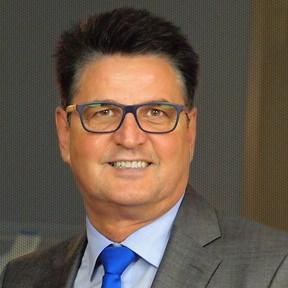 Dr Stephan Faust